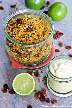 Gebratener orientalischer Reissalat mit Limettendip – Life Is Full Of Goodies Fried oriental rice salad with lime dip Rice Recipes, Dinner Recipes, Cooking Recipes, Healthy Recipes, Food To Go, I Love Food, Food And Drink, Healthy Family Dinners, Rice Salad