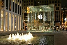 Apple Store, New york. The storeisactually undergrand, accessed through stairs or an elevator in the glass box.