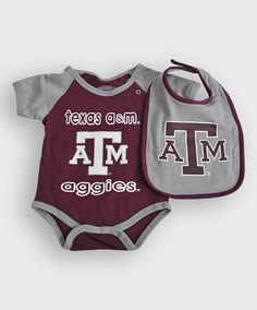 Infant onesie & bib