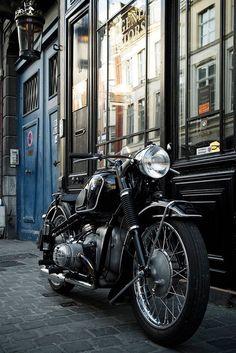 Sabine's motorcycle - BMW 51 Série 3 de 1954