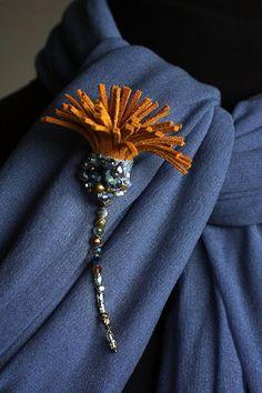 Textile Jewelry, Fabric Jewelry, Jewelry Art, Beaded Jewelry, Silver Jewelry, Fabric Flower Brooch, Fabric Flowers, White Embroidery, Beaded Embroidery