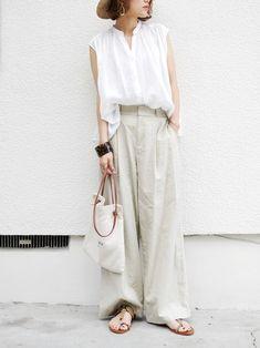 Japanese Minimalist Fashion, Minimal Fashion, Fashion Wear, Love Fashion, Uniqlo Women Outfit, Japanese Outfits, Japan Fashion, Casual Summer Outfits, Office Fashion