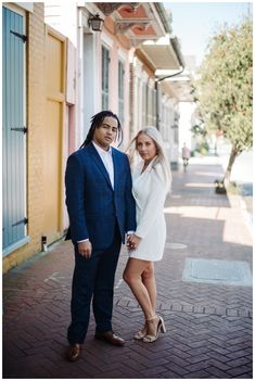 Chic French Quarter Elopement in New Orleans French Quarter. Click to see the full gallery! New Orleans Elopement, New Orleans French Quarter, City Vibe, Chapel Wedding, Candid, Cozy, Gallery, Photography, Inspiration