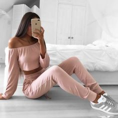 Find More at => http://feedproxy.google.com/~r/amazingoutfits/~3/CEfUfux1CO0/AmazingOutfits.page