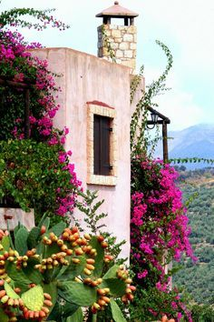 Axos village in Rethymno, Greece