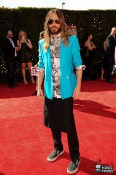 #JaredLeto #fashion #redcarpet #iheartradio http://revistafuror.blogspot.com/2014/05/red-carpet.html