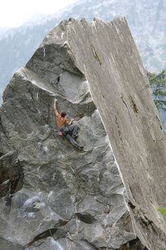 explore nature, sea, mountains, forest, desert and revel in their beauty Sport Climbing, Ice Climbing, Mountain Climbing, Real World Games, Escalade, Mountaineering, Climbers, Stunts, Bouldering