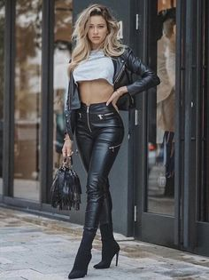 Leather Pants Outfit, Leather Jeans, Leather Jackets, Black Leather Leggings, Leather Bag, Sexy Outfits, Cute Outfits, Fashion Outfits, Look Fashion