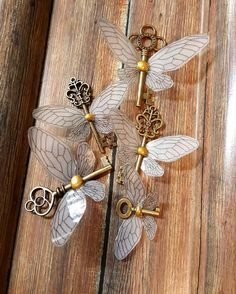 Harry Potter inspired flying keys, parties, orn… – World Of Games Harry Potter Halloween, Décoration Harry Potter, Harry Potter Christmas Tree, Harry Potter Wedding, Harry Potter Birthday, Harry Potter Christmas Decorations, Flying Keys Harry Potter, Harry Potter Christmas Ornaments, Harry Potter Things