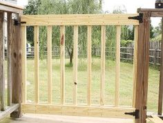 Deck Plans 357543657912554406 - How to Build Your Own Deck Stair Gate {Backyard Safety} Porch Gate, Deck Gate, Stair Gate, Deck Stairs, Front Porch, Stair Railing, Deck Building Plans, Deck Plans, Laying Decking
