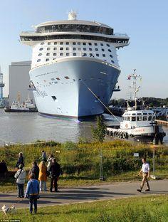 Harmony Of The Seas Helipad Construction Giant Cruise Ship - Cruise ships from new jersey