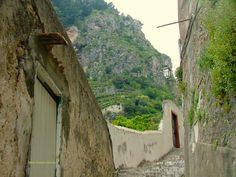 https://flic.kr/p/gmbRpf | The climbs | Atrani (Amalfi Coast, Italy)