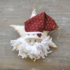 Risultati immagini per fuoriporta natalizi Christmas Crafts, Xmas, Christmas Ornaments, Santa Cookies, Hobby, Felt Ornaments, Gnomes, Pasta, Candy