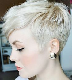 25 Most Popular Short Pixie Haircut For Women Style Ideas Short Pixie Hairstyles haircut Ideas Pixie Popular Short Style Women Sassy Hair, Curly Hair, Short Pixie Haircuts, Haircut Short, Blonde Pixie Haircut, Butch Haircuts, Pixie Haircut Styles, Stylish Short Haircuts, Blonde Bangs