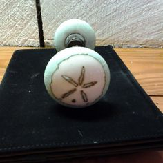 Hometalk :: Hand Painted Sand Dollar Door Knobs for the House in Waveland