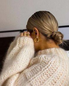 15 penteados de cabelos simples para quem tem preguiça de se arrumar | We Fashion Trends Medium Hair Styles, Short Hair Styles, Bun Styles, Easy Style, Stil Inspiration, Low Bun Hairstyles, Curly Haircuts, Simple Hairstyles, Hairstyles 2016