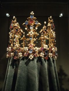 Crown of a German Queen (likely English or French craftsmanship), 14th century, Munich, Residenz Museum