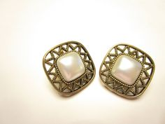 Gold toned imitation pearl clip on earrings epsteam by betsstuff on Etsy