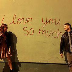 danneel harris and jensen ackles Castiel, Supernatural Tv Show, Jensen Ackles Family, Jared And Jensen, Smallville, Dean Winchester, Zeppelin, Danneel Harris, Love You So Much