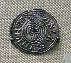 Viking coin minted in Jorvik. Issued for Anlaf Guthfrithsson. 10th century.