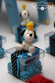 Snoopy  | Criando e Contando - Luana Siqueira Baby Snoopy, Snoopy Party, Snoopy Love, Charlie Brown And Snoopy, Charlie Brown Thanksgiving, Thanksgiving Parties, Lemon Beagle, Sweet Bags, Polymer Clay Animals
