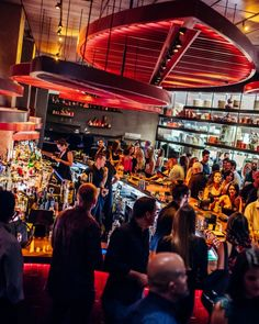 Find the most upscale happy hours in Miami. Check out these fabulous hotspots where high fashion is the norm and champagne flows like water. Tacos Menu, Mini Crab Cakes, Miami Nightlife, Prime Steak, Happy Hour Specials, Fried Green Tomatoes, Smoked Ham, Tequila Sunrise, Best Sunset