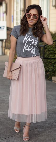 #spring #outfits / Grey Printed Tee / Pink Tulle Skirt / Grey Sandals