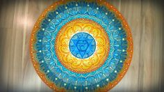 Arte em Mandala feitas por encomenda. Mandalas Design por Juliana Figueira Contato: julianafigueirasouza@gmail.com http://julianafigueira.wix.com/sattwa-mandalas https://www.facebook.com/sattwamandalasdesign