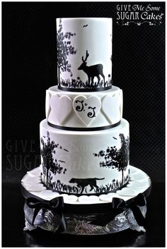 This would be cool, except a dual themed cake.....Hunting on the top, Fishing on the bottom. :)