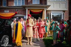 Sikh bride leaving her home. https://www.maharaniweddings.com/gallery/photo/140743