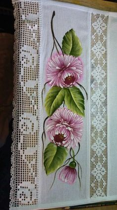 Painted Books, Hand Painted, Fabric Painting, Table Runners, Bed Sheets, Projects To Try, Creative, Flowers, Zuko