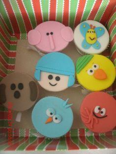 Cupcakes Pocoyo 1st Birthday Cakes, Birthday Parties, Cupcake Toppers, Cupcake Cakes, Fondant Cake Tutorial, Ideas Para Fiestas, Baby Party, Dessert Bars, Holidays And Events