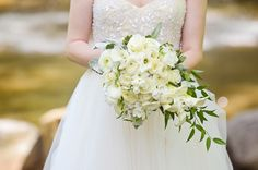 A lovely and fresh ivory bouquet! {Rachel Pearlman Photography}