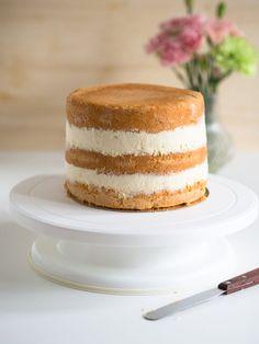 Helppo Marjamousse (korkean kakun täytteeksi) | Annin Uunissa Vanilla Cake, Anna, Desserts, Food, Tailgate Desserts, Deserts, Essen, Postres, Meals