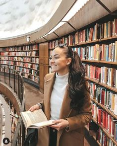 School Ootd, Winter Style, Winter Fashion, Books, Outfits, Winter Fashion Looks, Libros, Suits, Book
