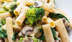One Pot Pasta Primavera - Schnell und unglaublich lecker - Kochkarussell Pasta Primavera, Bruschetta Chicken Pasta, Spinach Health Benefits, Meat Diet, Pots, Pasta Sauce Recipes, Healthy Recipes, Eating Raw, Diy Food