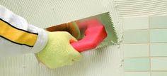 Cómo alicatar sobre azulejo   Sobre alicatado existente Toilet Paper, House, Tiles, Home, Homes, Toilet Paper Roll, Houses