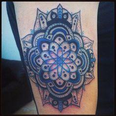 Hecho por #Alex en #TatuajesMéxico #LosMejoresConLosMejores #tatuajesmexico #tatuajes_mexico #Tatuajes_Mexico #mandala #mandalatattoo #geometrictattoo