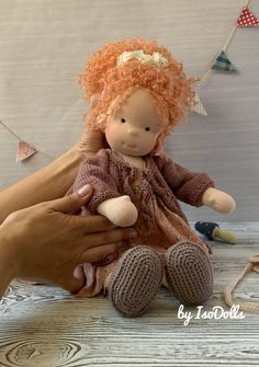 Crochet Bebe, Waldorf Toys, Doll Shop, Doll Tutorial, Boy Doll, Soft Dolls, Doll Face, Knitted Hats, Doll Clothes
