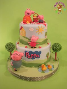 Peppa Pig Birthday Cake Ideas - Share this image!Save these peppa pig birthday cake ideas for later by share this Tortas Peppa Pig, Bolo Da Peppa Pig, Peppa Pig Birthday Cake, Peppa Pig Cakes, 2nd Birthday, Birthday Ideas, Fondant Girl, Fondant Cakes, Cupcake Cakes