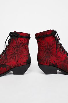 Grove Lace-Up Western Boot at Urban Outfitters today.   Me likey.