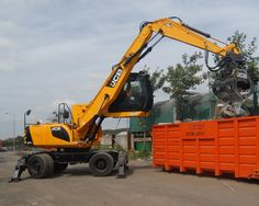 A leading Scottish skip hire and recycling firm has purchased a brand new JCB – a dedicated material handler, purpose-built for the w. Tonka Toys, Engin, Tractors, Purpose, Monster Trucks, Recycling, Plant, Australia, Construction