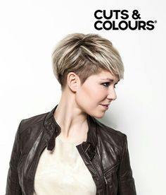 Blonde kort haarlook | Cuts & Colours