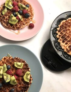 Βάφλες χωρίς γλουτένη & χορτοφαγικές – Gfhappy Waffles, Breakfast, Food, Happy, Chef Recipes, Cooking, Morning Coffee, Essen, Waffle