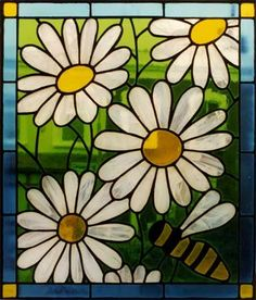 bee stained glass Love daisy's and stained glass of course.
