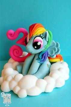 My little pony on a cloud    481033_463131563737686_1143541227_n.jpg 640×960 pixels