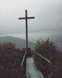#naturelover #klubkocestuje #rainy #foggy #view #trip #walking Vyhlídky byly všechny super melancholický!Mraky se válely po horách!💨💦💧🗻🏔⛰
