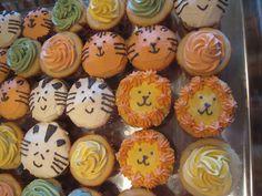 jungle cupcakes Jungle Cupcakes, Monkey Cupcakes, Jungle Cake, Animal Cupcakes, Jungle Party, Jungle Theme, Cupcake Cakes, Happy Birthday Baby Girl, 2nd Birthday
