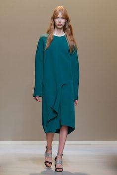 See the complete Krizia Fall 2017 Ready-to-Wear collection.
