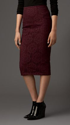 Burberry London English Floral Lace Pencil Skirt. Career wardrobe. #professionalwoman